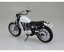 Aoshima 1:12 Yamaha SR400S 1995 with custom parts