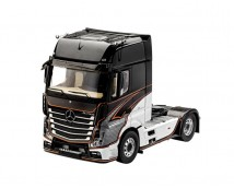 Revell 1:24 Mercedes Actros MP4