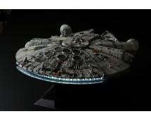 Revell BANDAI 1:72 Millennium Falcon Perfect Grade