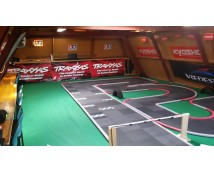Eigen indoor Kyosho Mini-Z Circuit !