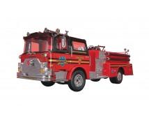 Revell 1:32 Mack Fire Pumper -SNAPTITE-