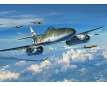 Revell 1:32 Messerschmitt Me262 A-1 / A-2