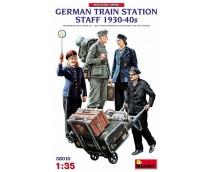Mini Art 1:35 German Train Station Staff 1930-40s