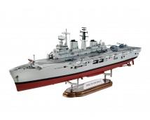 Revell 1:700 HMS Invincible (Falkland War)    05172
