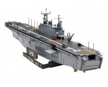 Revell 1:720 USS Tarawa LHA-1 Assault Ship    05170
