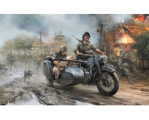 Zvezda 1:35 BMW R12 Motorcycle with Sidecar and Crew      3607