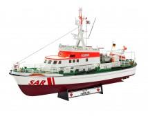Revell 1:72 SAR BERLIN + Westland Seaking Mk41     05683