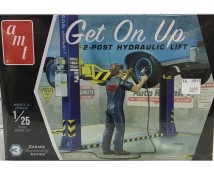 AMT 1:25 Get On Up 2-post Hydraulic Lift