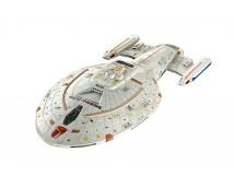 Revell 1:670 Star Trek USS Voyager    04992