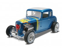 Revell Monogram '32 Ford 5 Window Coupe 2 in 1 kit 1:25