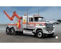 Italeri 1:24 US Wrecker truck        3825