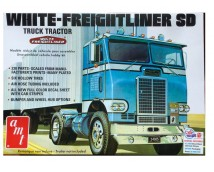 AMT 1:25 White Freightliner SD Tractor Truck