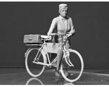 Master Box 1:35 Woman And Bicycle Europe WW2 Era