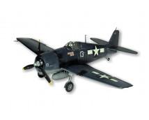 1:16 Guillow`s  Grumman F6F3 Hellcat 83 cm